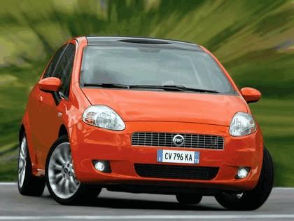 2005 Fiat Grande Punto Multijet 3-door with Panoramic Sunroof 23
