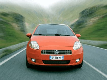 2005 Fiat Grande Punto Multijet 3-door with Panoramic Sunroof 24