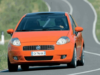 2005 Fiat Grande Punto Multijet 3-door with Panoramic Sunroof 25