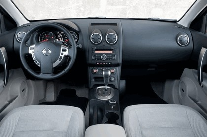 2010 Nissan Qashqai + 2 22