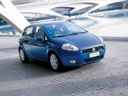 2005 Fiat Grande Punto Multijet 5-door 1