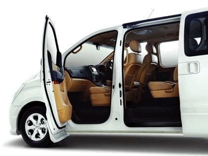 2009 Hyundai Grand Starex Royale 3
