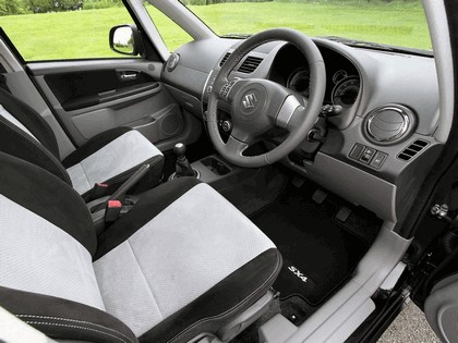 2010 Suzuki SX4 SZ-L - UK version 4