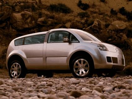 2001 Citroën Crosser concept 8