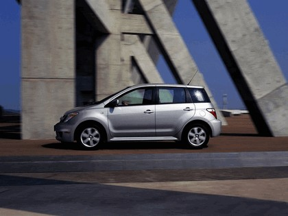 2006 Toyota xA 2