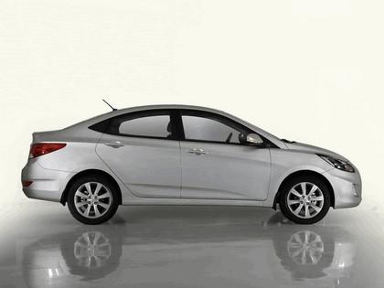 2010 Hyundai Solaris 2