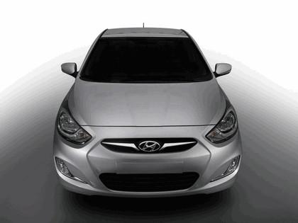 2010 Hyundai Solaris 4