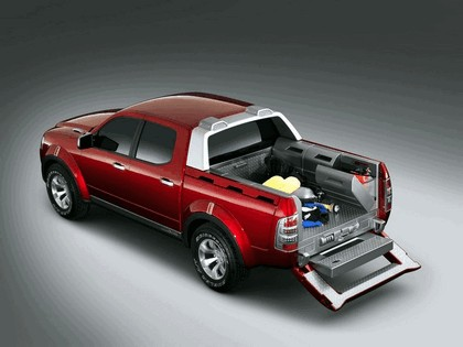 2005 Ford 4-Trac pick-up concept 10