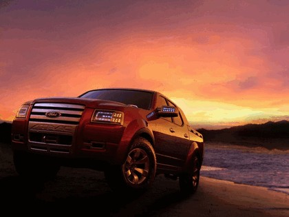 2005 Ford 4-Trac pick-up concept 12