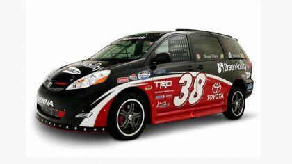 2008 Toyota Ultimate NASCAR Fan Sienna Rampvan concept 3