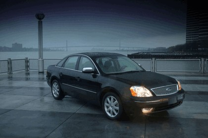 2005 Ford 500 8