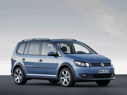 2010 Volkswagen Cross Touran 1