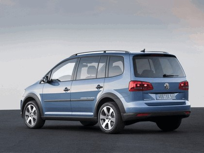 2010 Volkswagen Cross Touran 3