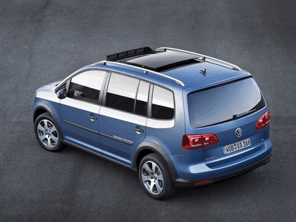 2010 Volkswagen Cross Touran 5