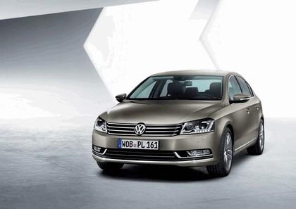 2010 Volkswagen Passat 1