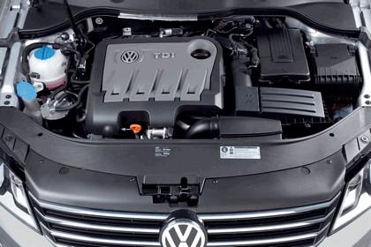 2010 Volkswagen Passat 25