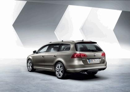 2010 Volkswagen Passat Variant 2