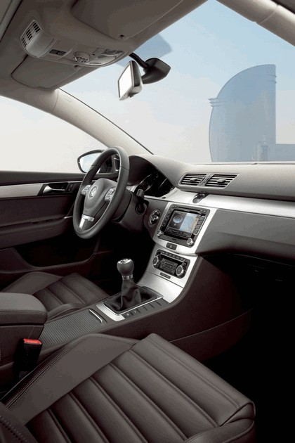 2010 Volkswagen Passat Variant 9