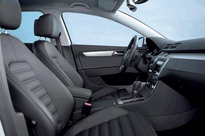 2010 Volkswagen Passat Variant 11