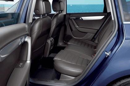 2010 Volkswagen Passat Variant 12