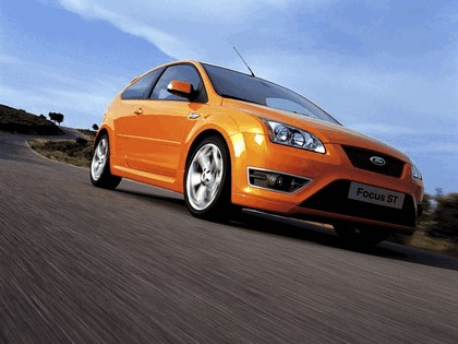 2005 Ford Focus ST 3-door european version 1