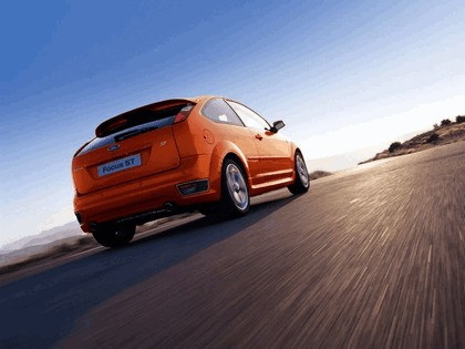 2005 Ford Focus ST 3-door european version 3