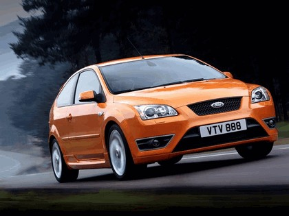 2005 Ford Focus ST 3-door european version 17