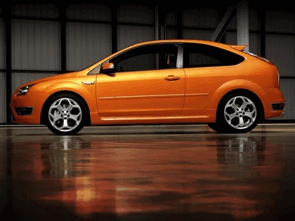 2005 Ford Focus ST 3-door european version 20