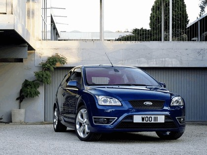 2005 Ford Focus ST 3-door european version 22