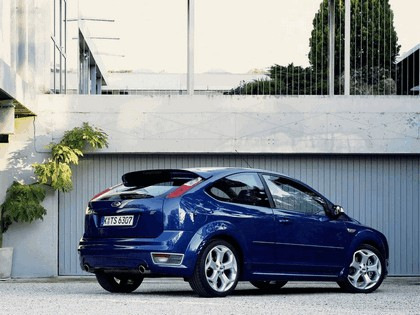2005 Ford Focus ST 3-door european version 23