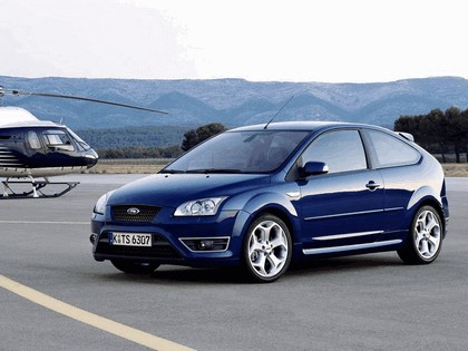 2005 Ford Focus ST 3-door european version 24