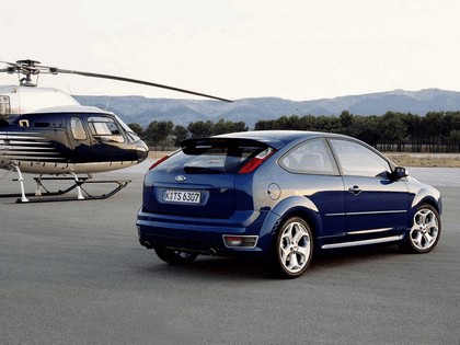 2005 Ford Focus ST 3-door european version 25