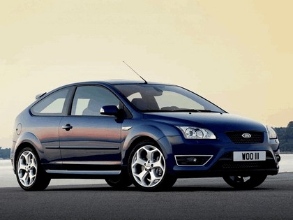 2005 Ford Focus ST 3-door european version 26