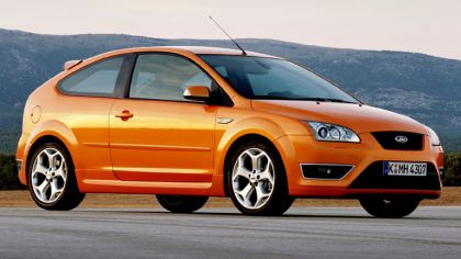 2005 Ford Focus ST 3-door european version 5