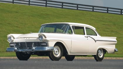 1957 Ford Custom Tudor sedan 312 Thunderbird Special 8