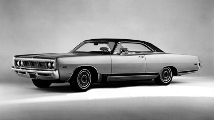 1969 Dodge Polara 2-door hardtop 9