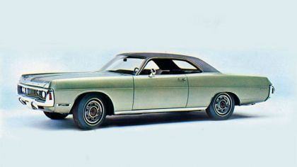 1970 Dodge Polara 2-door hardtop 3