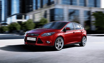 2010 Ford Focus hatchback 9