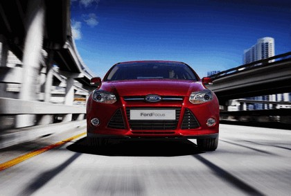 2010 Ford Focus hatchback 10