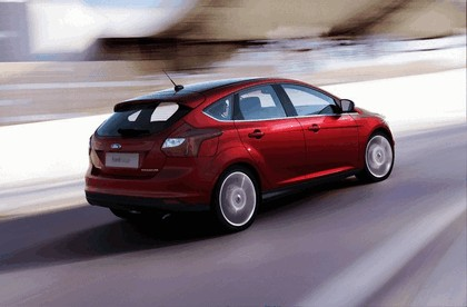 2010 Ford Focus hatchback 12