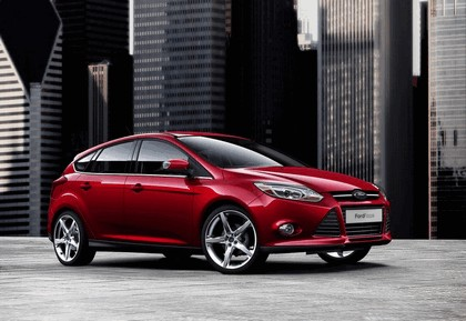 2010 Ford Focus hatchback 13