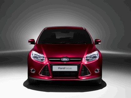 2010 Ford Focus hatchback 17