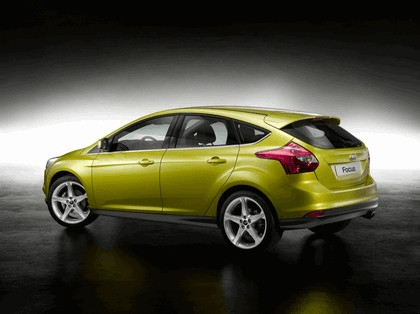 2010 Ford Focus hatchback 25