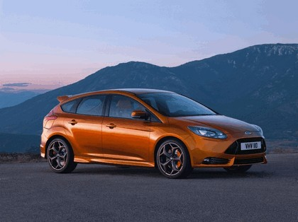 2010 Ford Focus ST 1