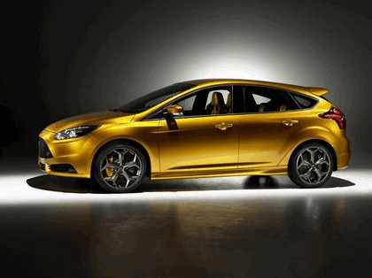 2010 Ford Focus ST 11