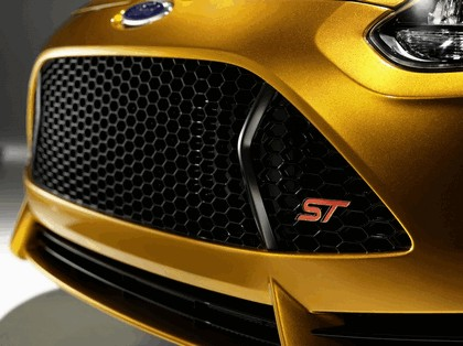 2010 Ford Focus ST 24
