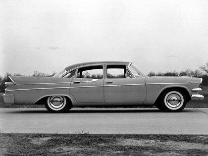 1957 Dodge Royal sedan 2