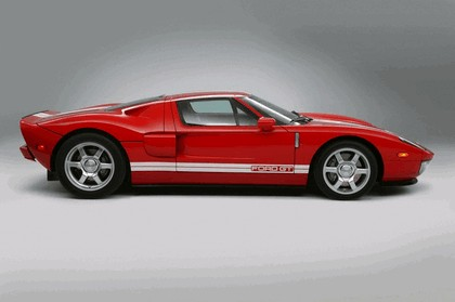 2005 Ford GT 7