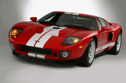 2005 Ford GT 9