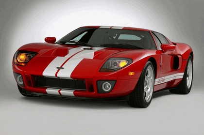 2005 Ford GT 10